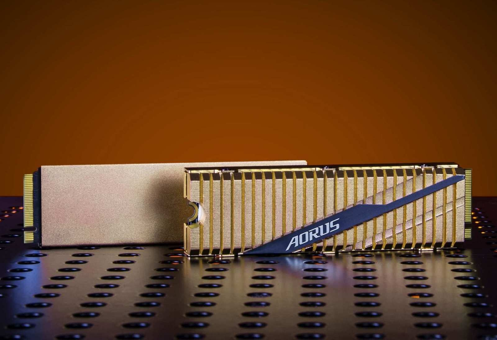 کامپیوتکس 2019: گیگابایت SSD جدید مبتنی بر نسل چهارم NVMe را تحت برند AORUS معرفی کرد