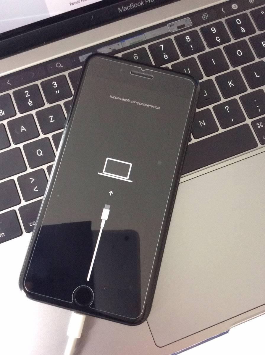 USB-C در iPhone 11 جایگزین پورت لایتنینگ میشود
