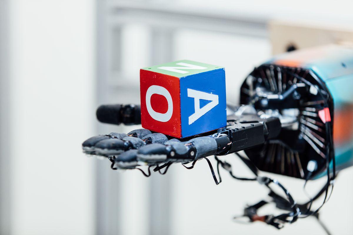 سرمایهگذاری مایکروسافت در OpenAI برای توسعه فناوریهای AI